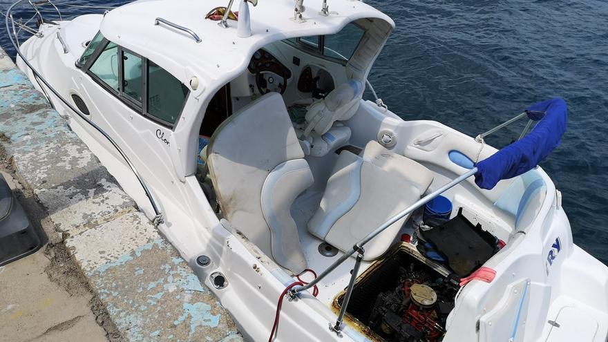 Dos ferits per cremades en una deflagració en una barca al port de Palamós