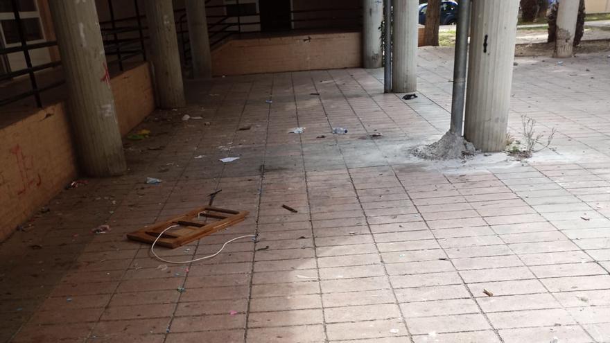 Vecinos de la Coma denuncian la falta de limpieza del barrio
