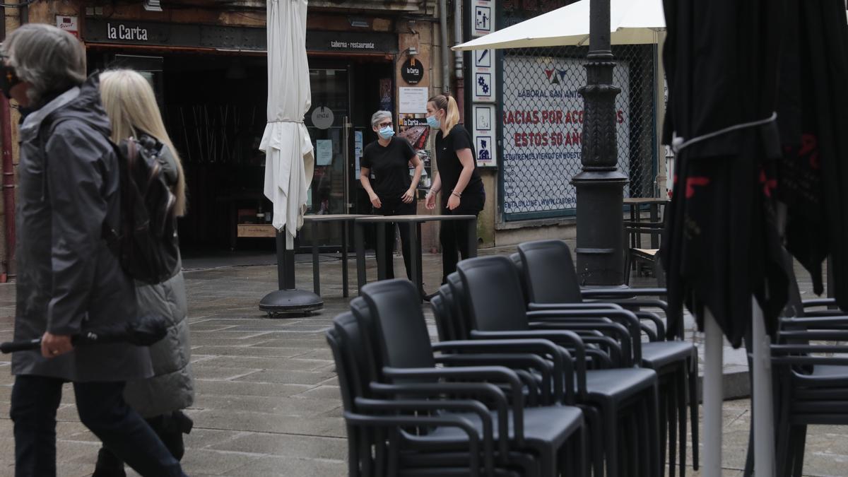 Cierre de un bar en Oviedo.