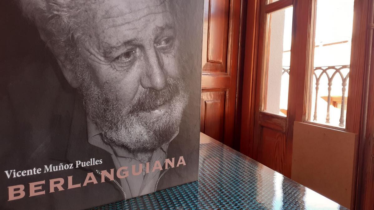 La biografía de Berlanga, escrita por Vicente Muñoz Puelles.