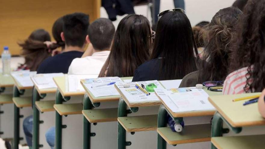 El Rector amplía hasta finales de julio el plazo para hacer exámenes presenciales