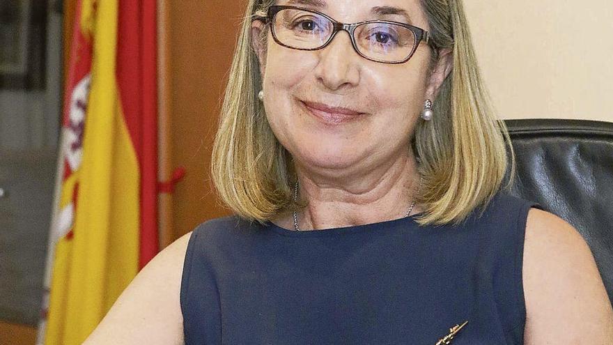 Teresa Peral en su despacho de la Avenida Requejo.