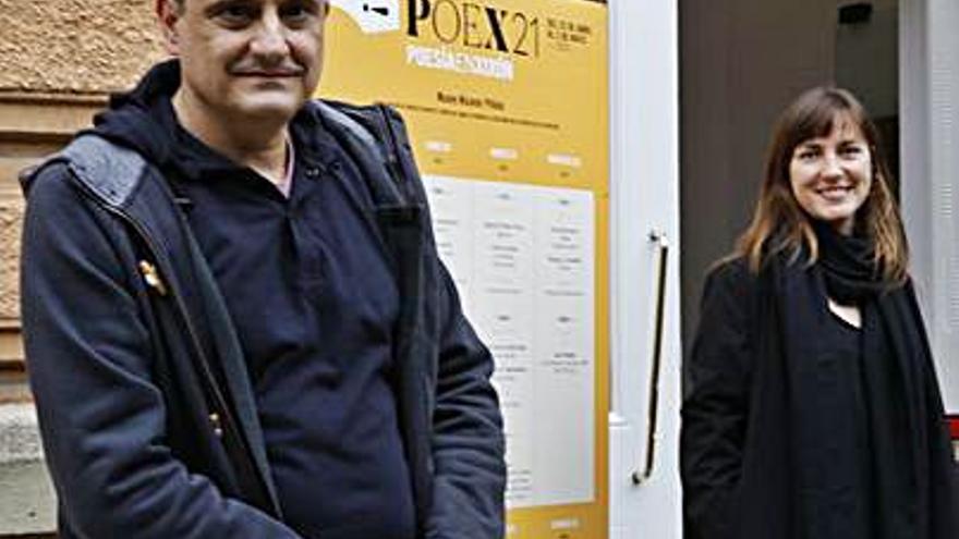 """Azahara Alonso y Julio Rodríguez dialogan en Gijón en el """"Poex"""""""