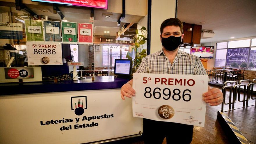 El primer quinto premio reparte 66.000 euros en Asturias