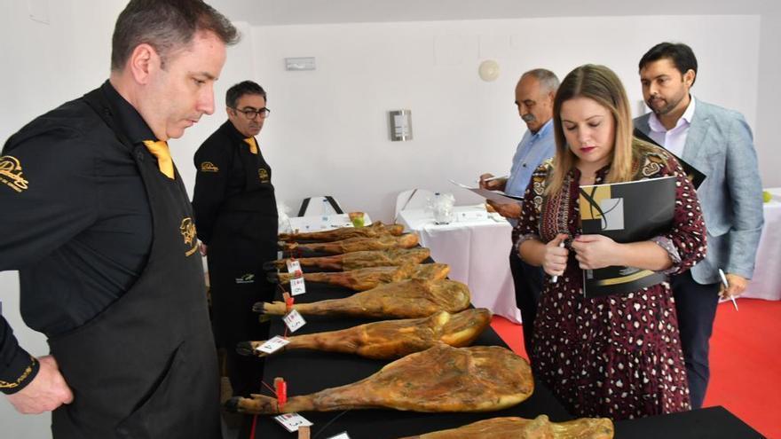 La feria del jamón atrae a miles de visitantes