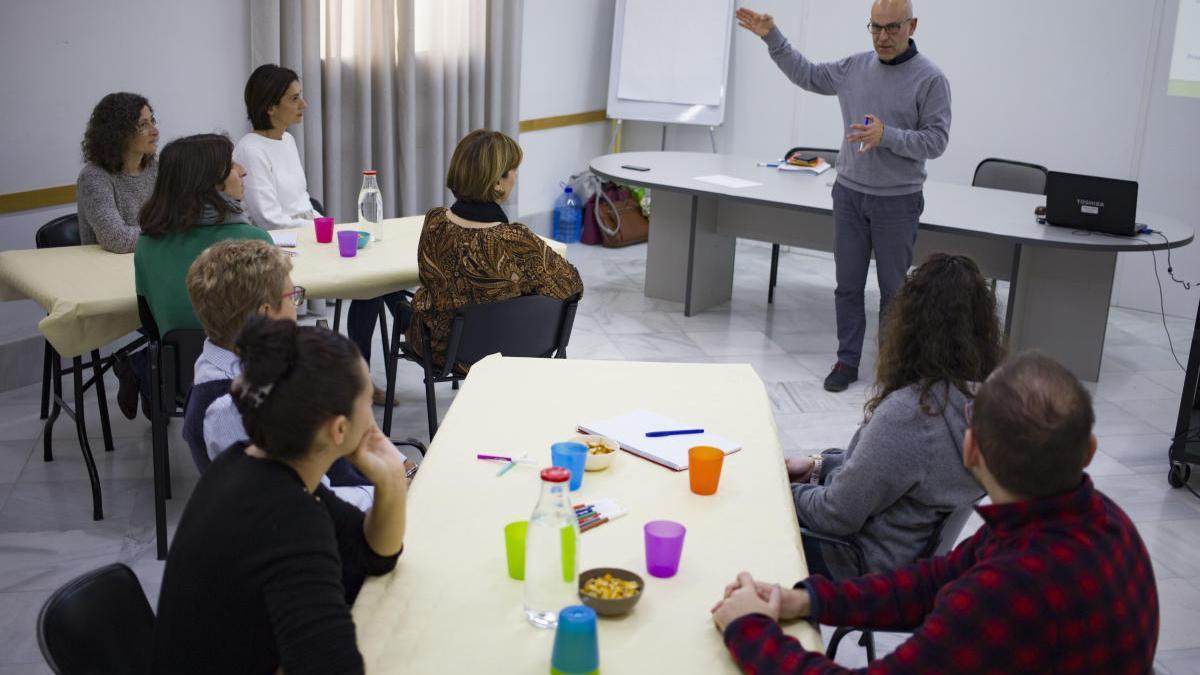 Asistentes a la primera sesión participativa del Plan Local de Residuos de Xàtiva, en febrero pasado.