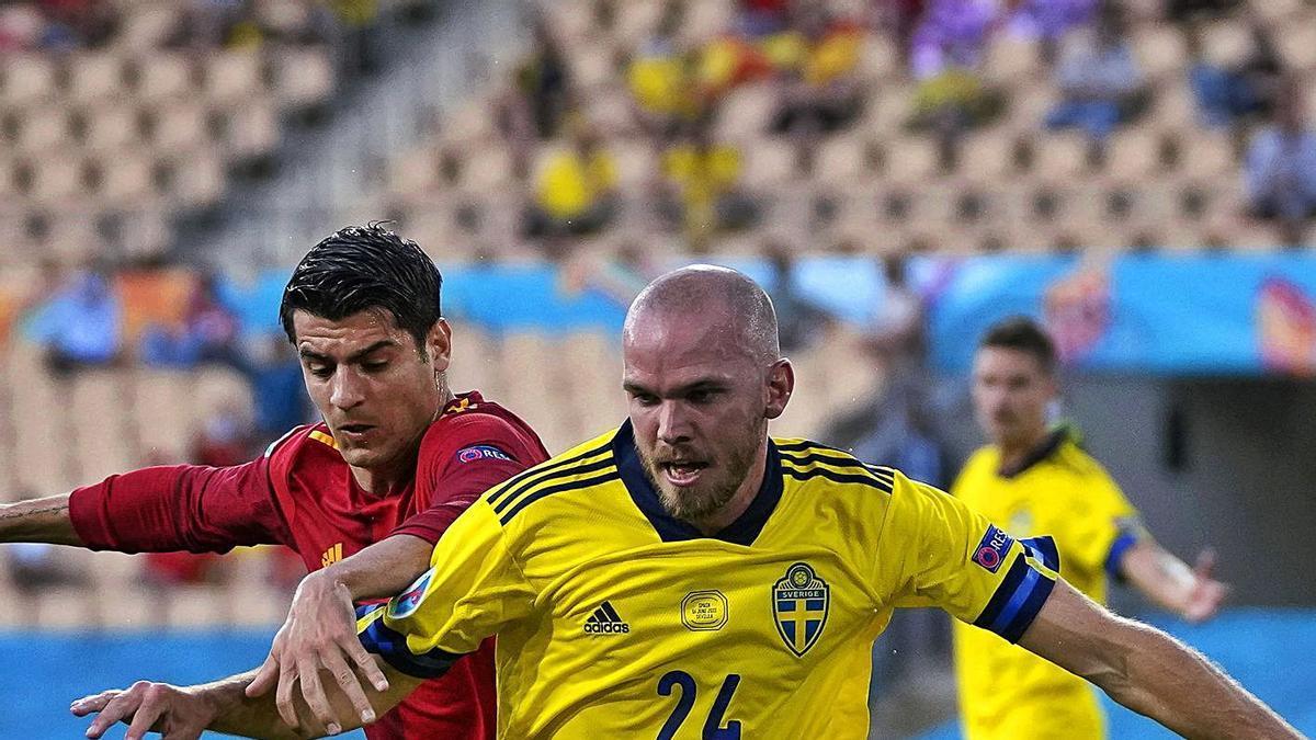 Álvaro Morata persegueix el suec Marcus Danielson