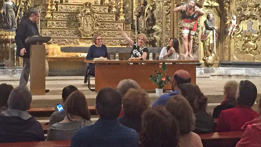 Pilar Rahola presenta 'Rosa de cendra' per la setmana cultural de Cadaqués