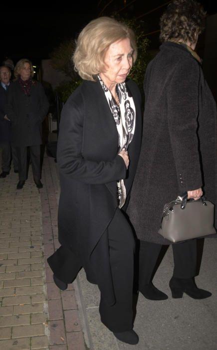 La Reina Sofía a su llegada al tanatorio.