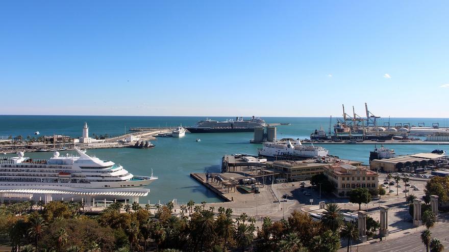 El Puerto de Málaga saca a concurso el bar de la Estación Marítima