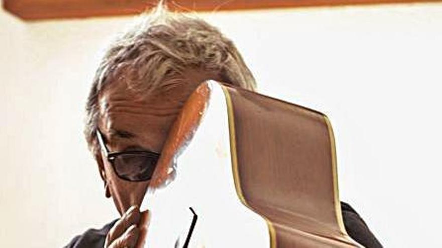 Joan Bibiloni lanza hoy al mercado su doble disco instrumental 'Guitarra'