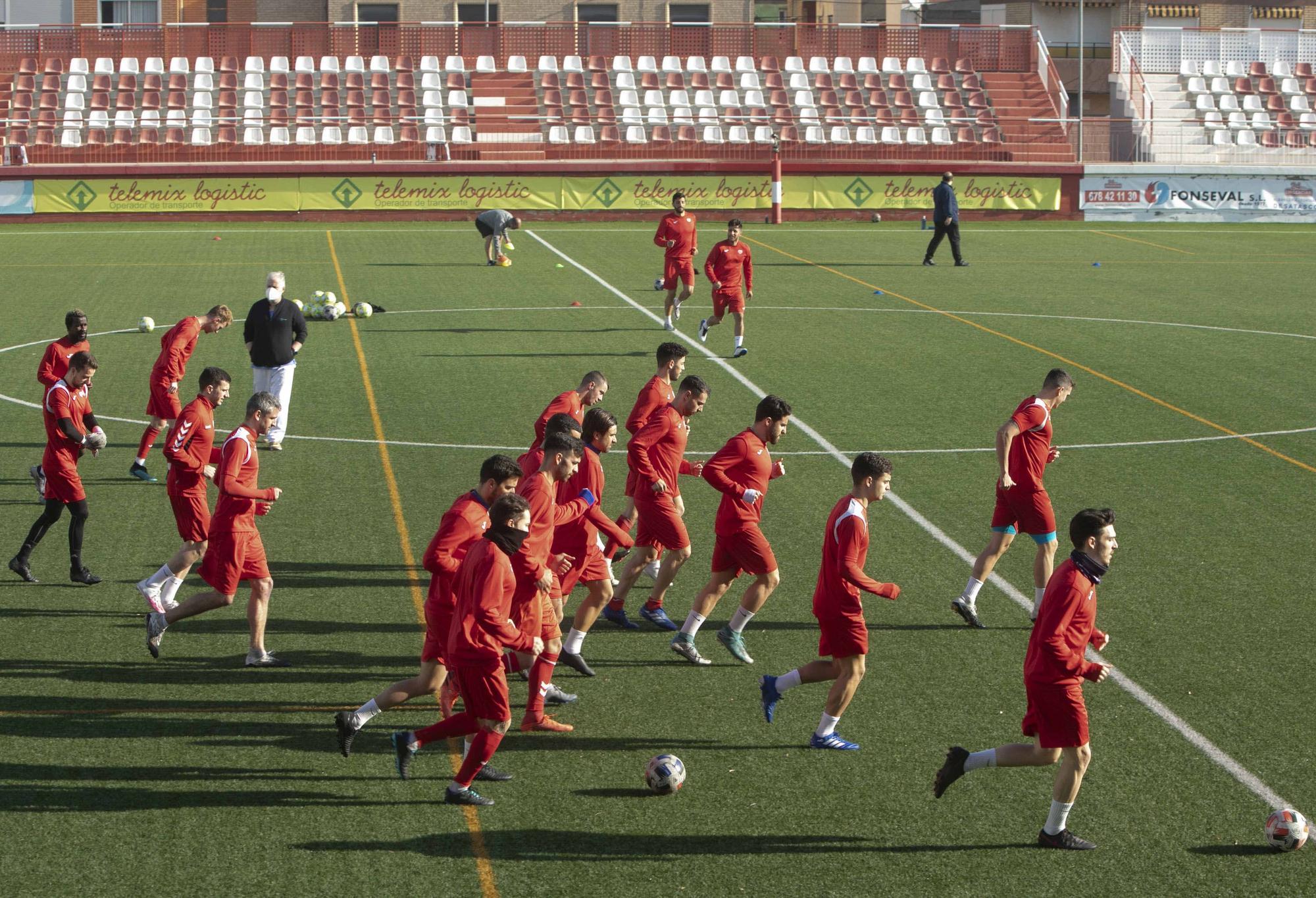 El Atletico Saguntino ya entrena en el campo del Acero CD