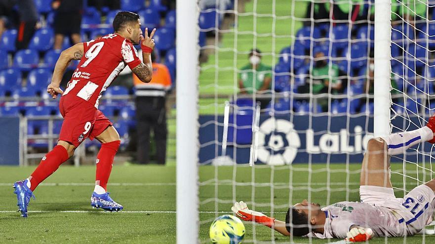 Luis Suárez rescata al Atlético con su doblete y hunde al Getafe