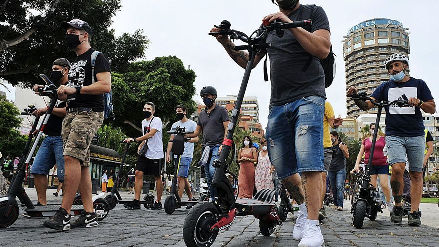 Treinta ayuntamientos canarios pueden acceder a los mil millones que reparte el Estado  para la movilidad 'verde'