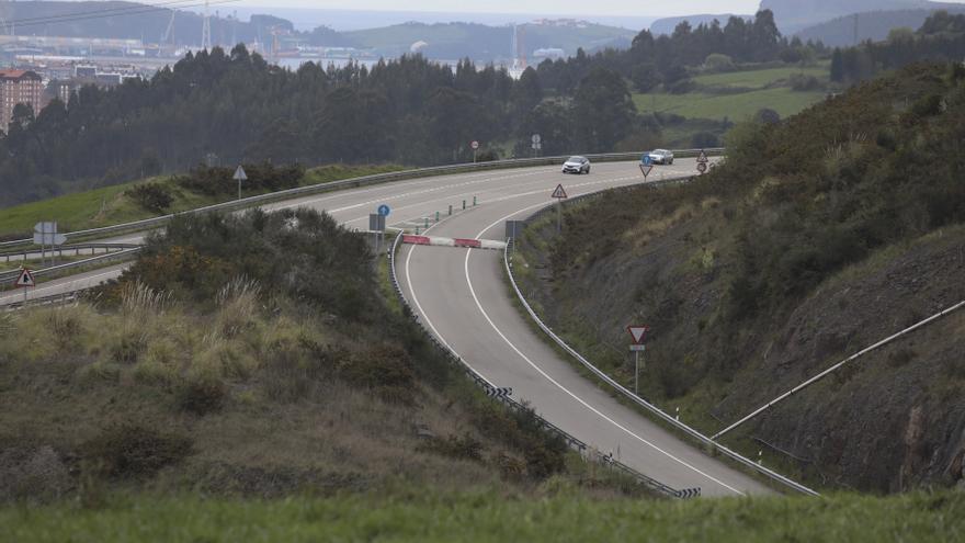 """Madrid dará """"máxima prioridad"""" a la reparación del argayo de la autopista"""