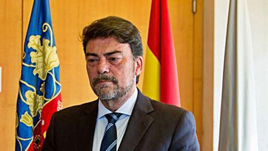 La mitad del vértigo: dos años del gobierno municipal en Alicante
