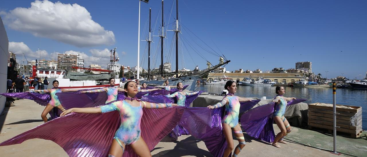 Imagen del recibimiento al Pascual Flores en el puerto pesquero de Torrevieja