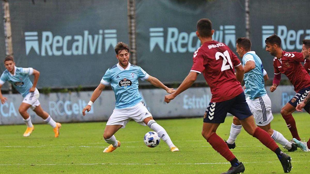 Partido amistoso del Pontevedra CF contra el Celta B en Barreiro.