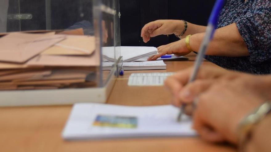 La Junta Electoral se plantea reclutar voluntarios para las mesas de las elecciones catalanas