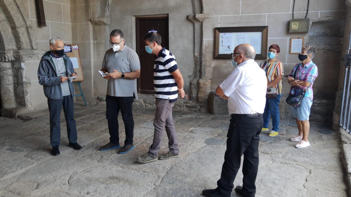 Jesús María Prada en su visita de hoy al Santuario de La Carballeda