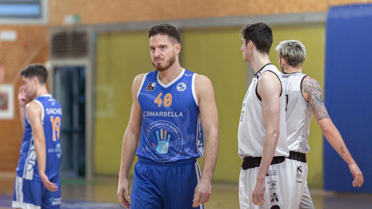 Luka Majstorovic en un partido del CB Marbella.
