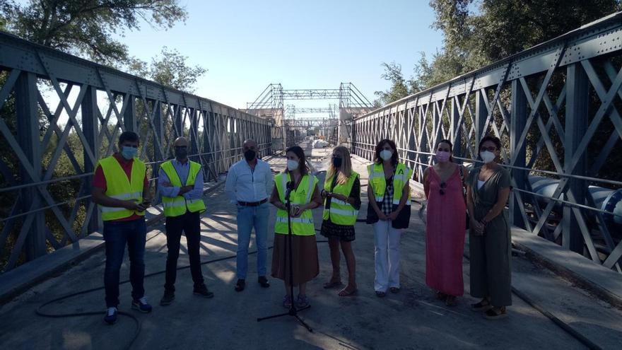 Las obras de reparación del puente de hierro de Palma del Río se encuentran al 55% de ejecución