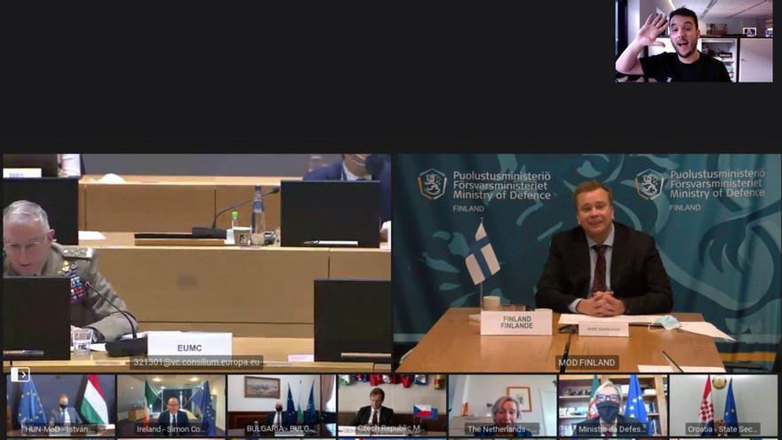 Se cuela en una videoconferencia secreta de los ministros de Defensa de la UE