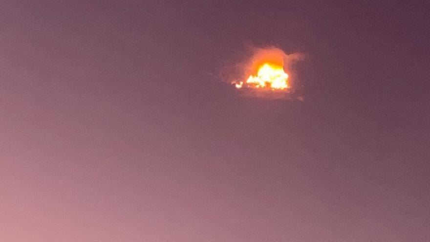 Sofocado un incendio en la Cueva de los Canarios