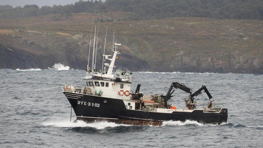 Dos muertos en el naufragio de un cerquero frente a Cedeira