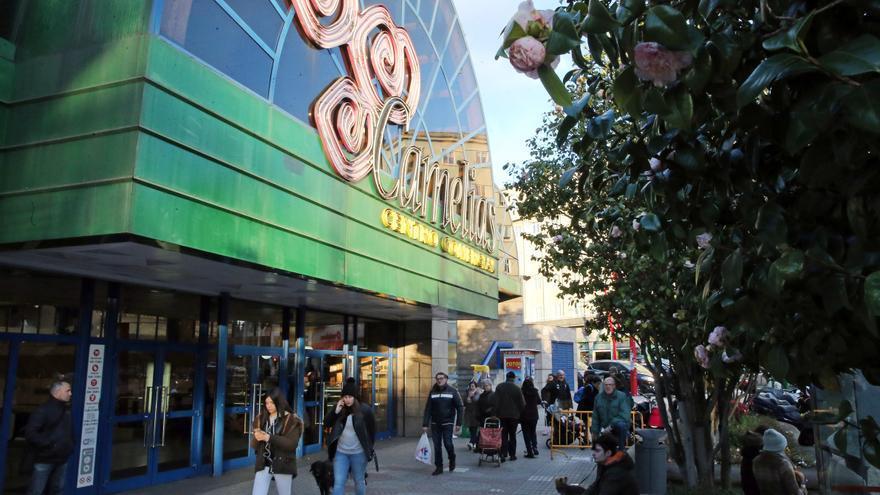 Detenido en Vigo un vecino de Madrid tras romper de una patada la puerta de un centro comercial