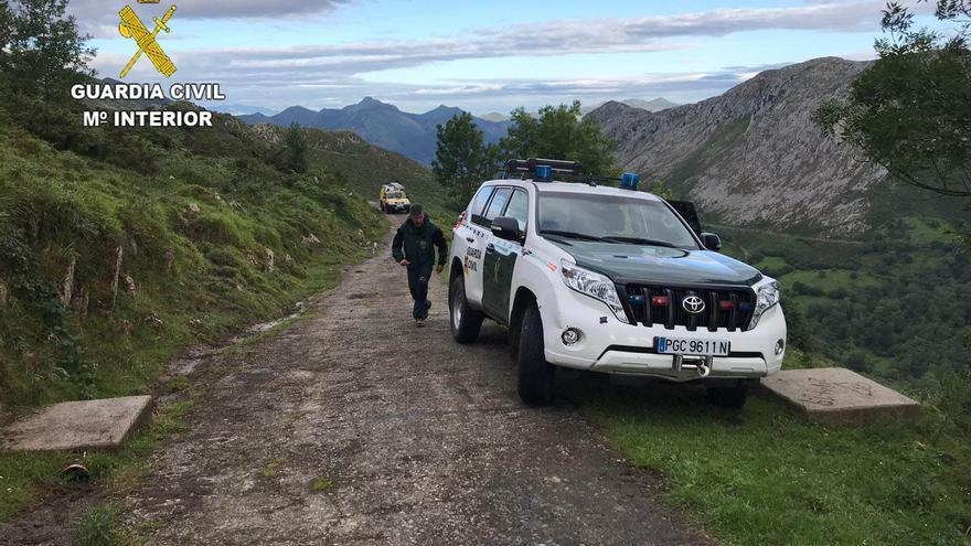 Rescatadas en estado casi hipotérmico dos senderistas de Gijón y Colunga extraviadas en la Llosa de Viango, en Llanes