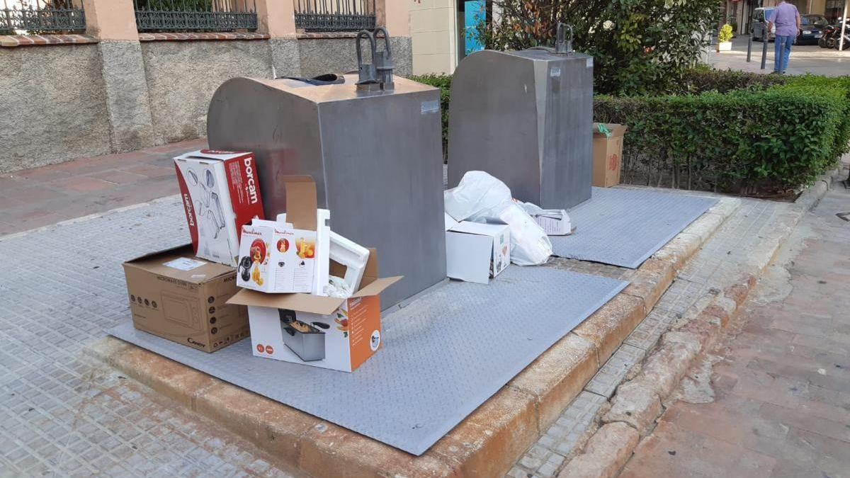 El PP denuncia suciedad y abandono de calles, parques y jardines públicos en Lucena