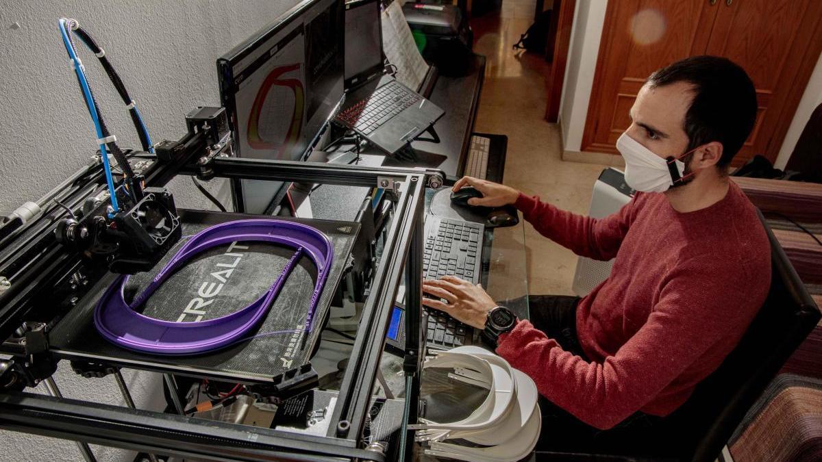 Red de voluntarios que utiliza la tecnología 3D para ayudar a hacer frente al coronavirus.