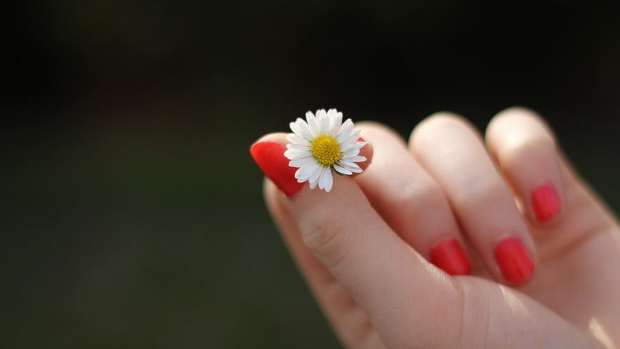 Trucos caseros para fortalecer las uñas débiles y quebradizas