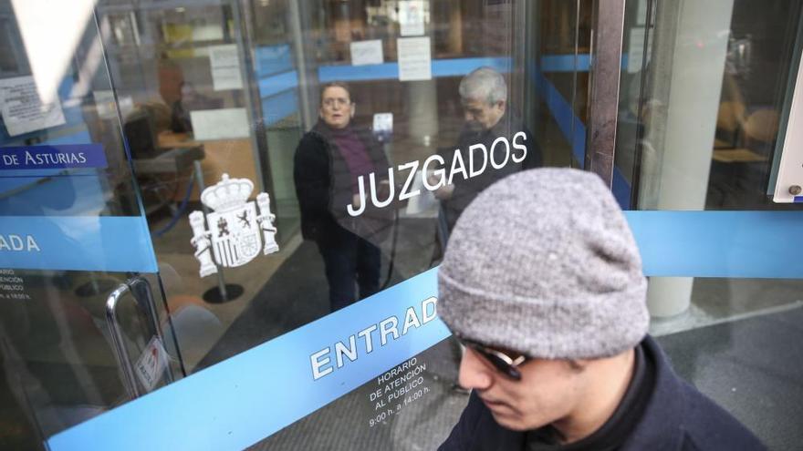 Condenan al youtuber de Oviedo denunciado por abusos sexuales