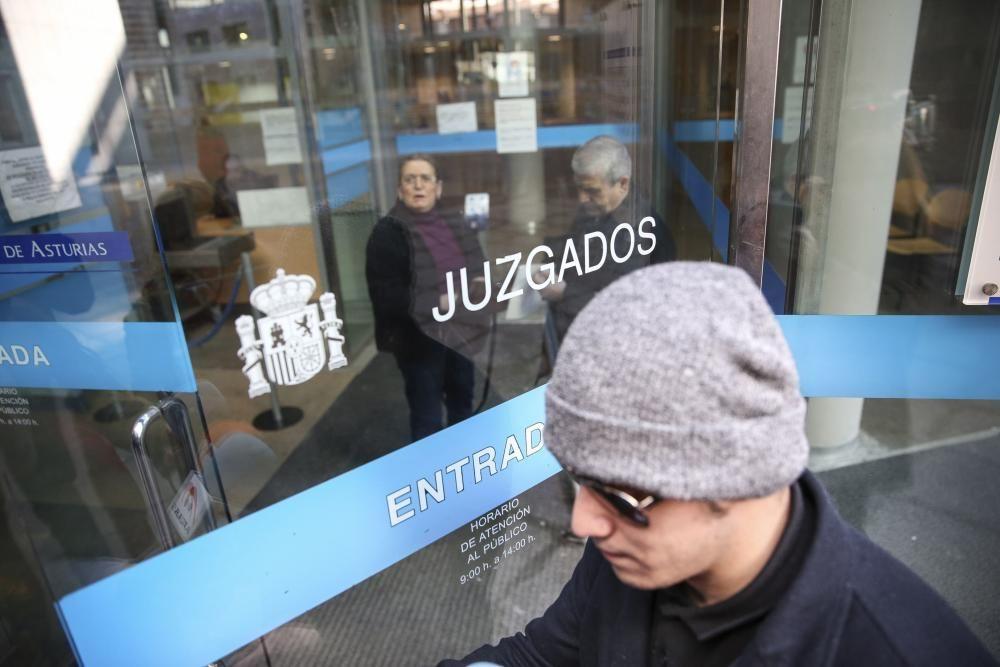 Condenan al youtuber de Oviedo denunciado por abusos sexuales.