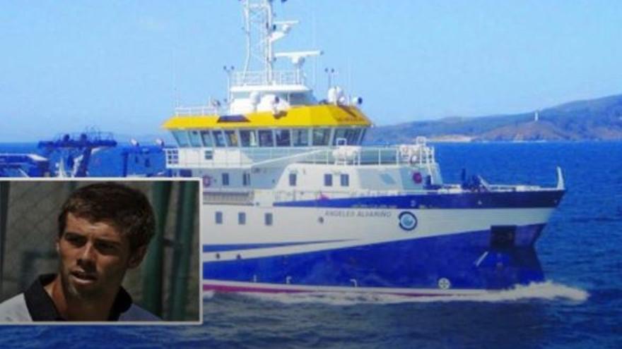 Troben dues botelles de busseig de Tomás Gimeno en la mar