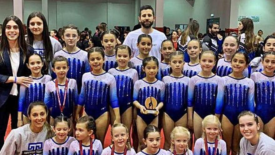 El Tempo compite en Gijón con 45 gimnastas