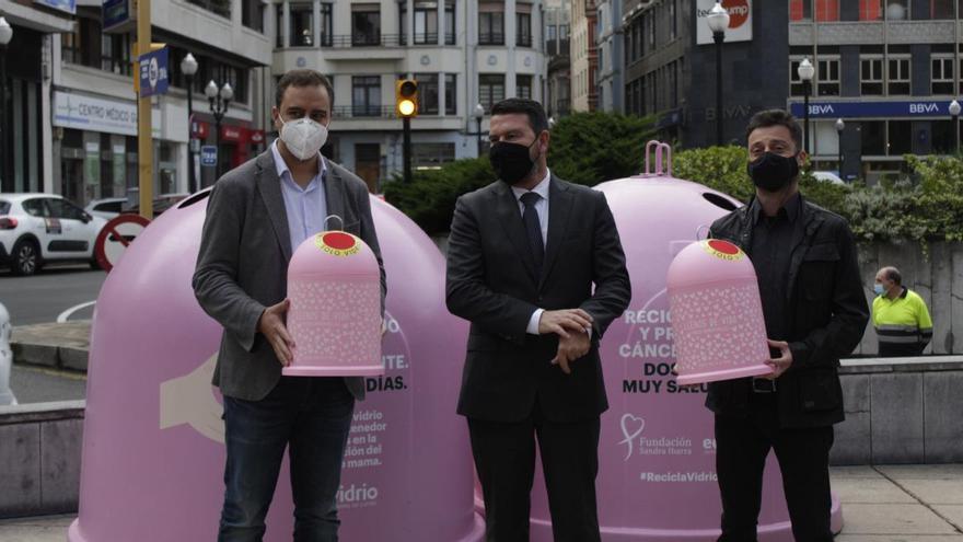 Reciclar vidrio para luchar contra el cáncer en la plaza Seis de Agosto