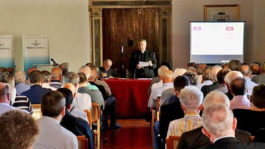 Taltavull designa una cúpula de la Iglesia de Mallorca con once mujeres y veinte laicos