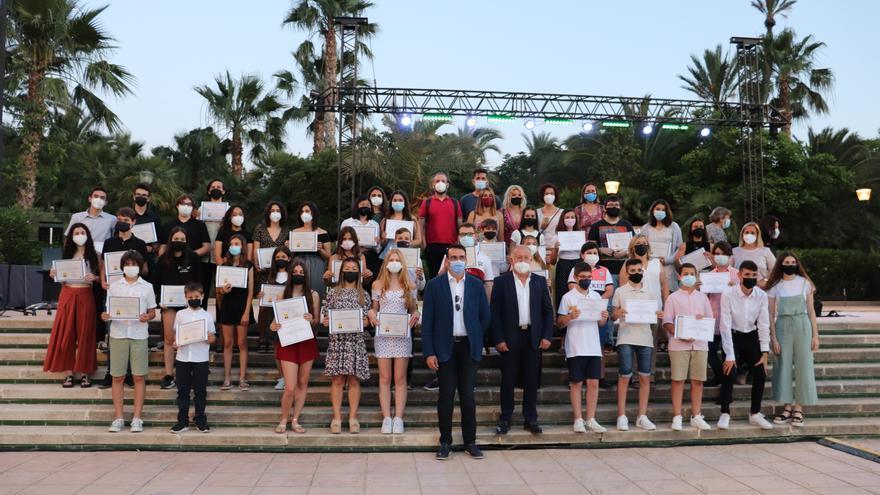 Mutxamel rinde homenaje a sus alumnos con la VII Gala de la Educación
