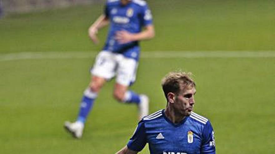 """Los """"penaltitos"""" VAR en contra del Oviedo y la excusa del contacto para ratificar al árbitro"""