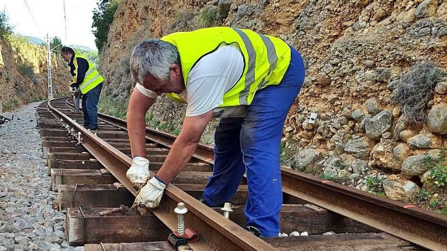 El Ferrocarril de Sóller renueva 2 kilómetros de vías a su paso por Bunyola