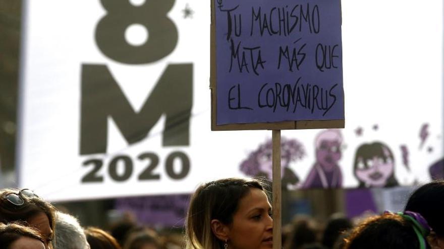 Arrenca la manifestació feminista pel 8M a Barcelona