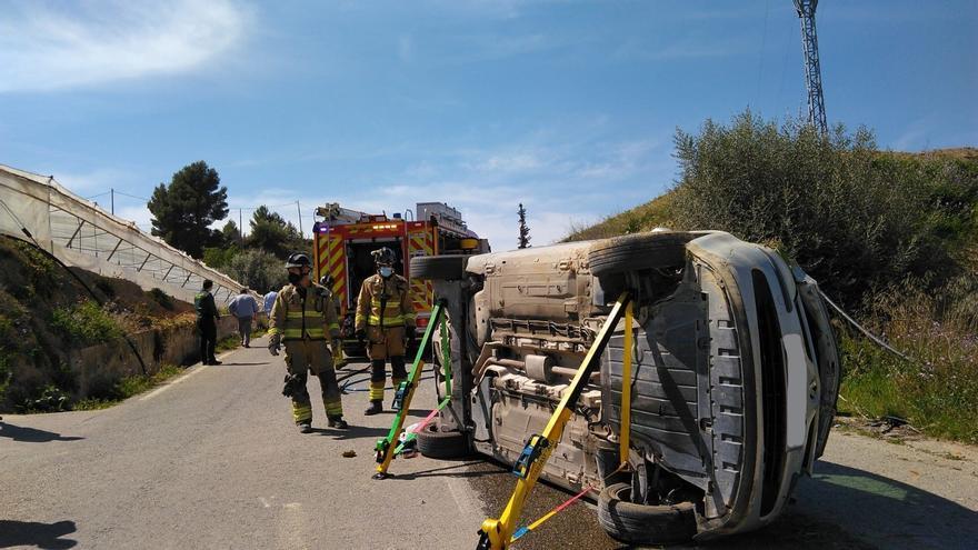 Herido tras dar varias vueltas de campana y volcar el coche que conducía en Cehegín