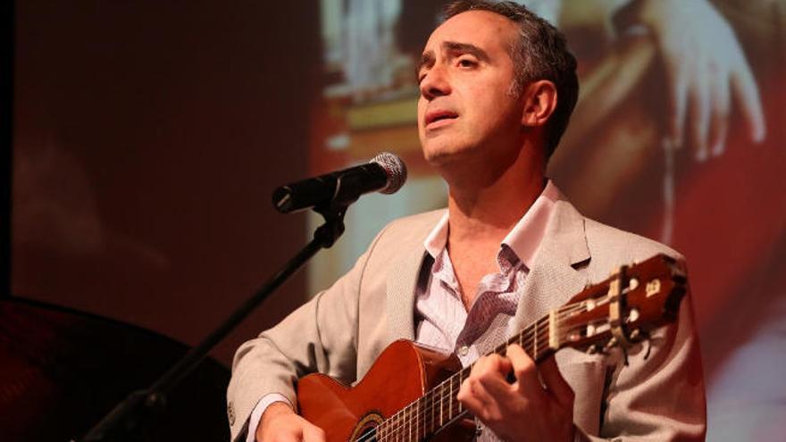 El recital 'Los hombres que bebieron con Dylan Thomas' viaja a Uruguay