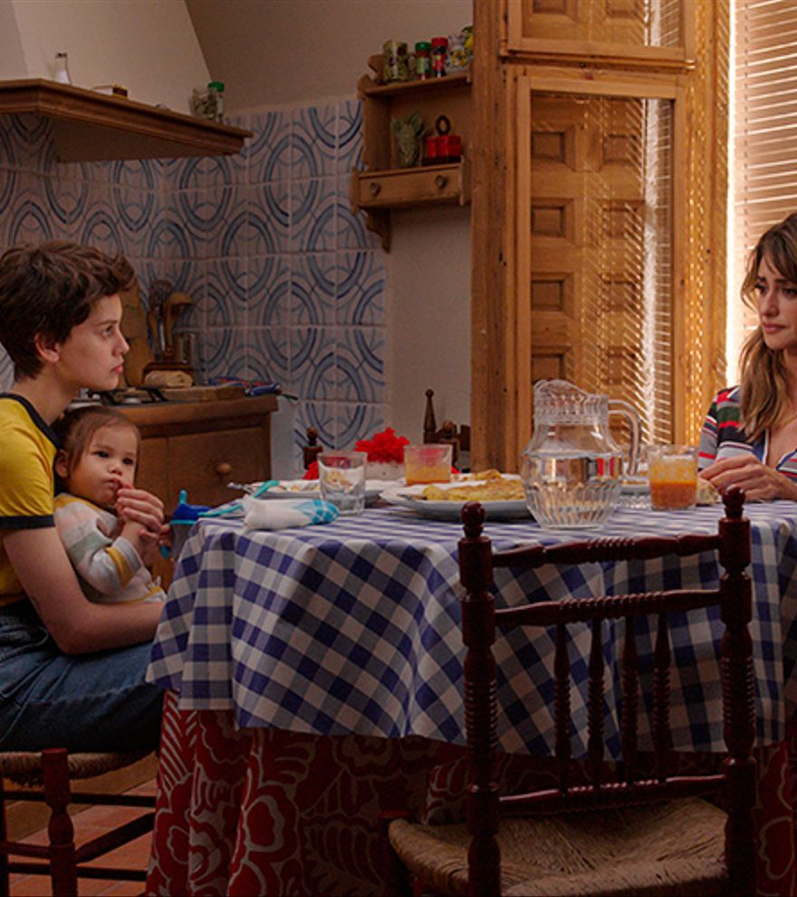 'Madres paralelas' de Pedro Almodóvar i 'Titane', Palma d'Or de Cannes, estrenes destacades de la setmana