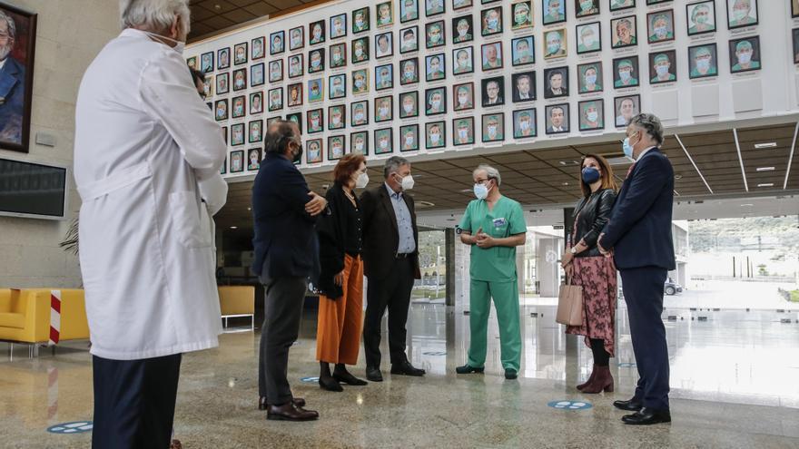 Visita del embajador de Alemania al Centro de Cirugía de Cáceres