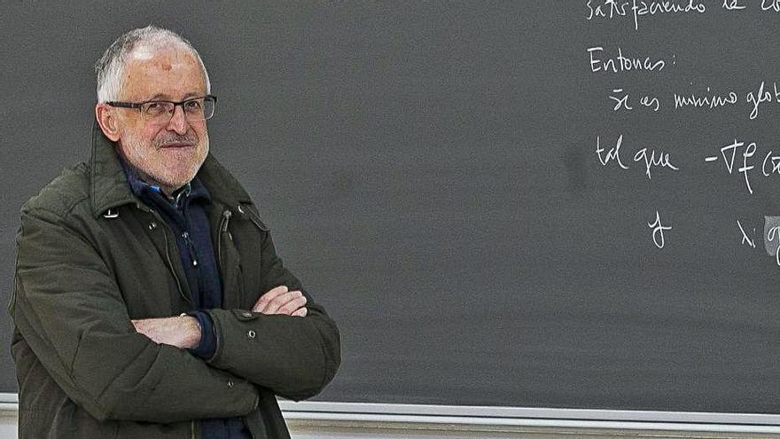 Miguel Ángel Goberna: «Los exámenes online son una estafa, van a copiar básicamente»