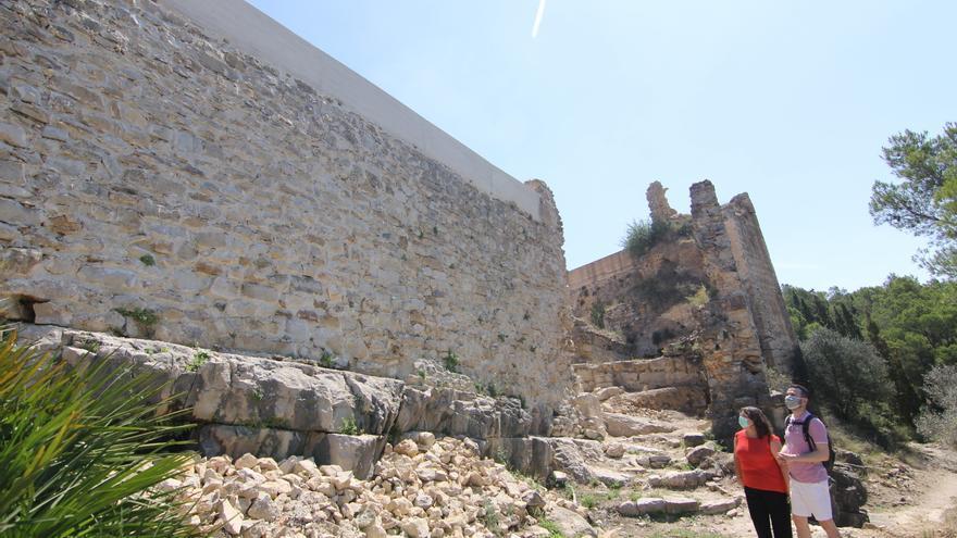 La Diputación culmina la restauración de la muralla del castillo de Xivert
